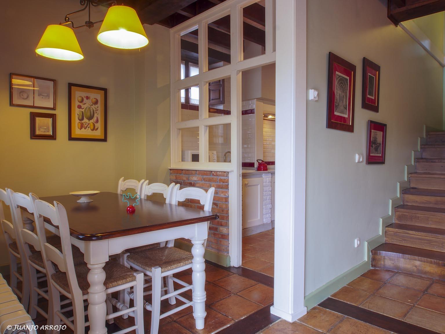 Comedor casa Azul | casa rural Asturias